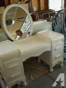 Antique White Makeup Vanity With Shabby Chic Mirror