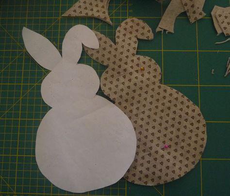 Modello coniglio di stoffa