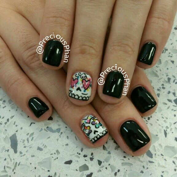 Halloween nails, sugar skull nails