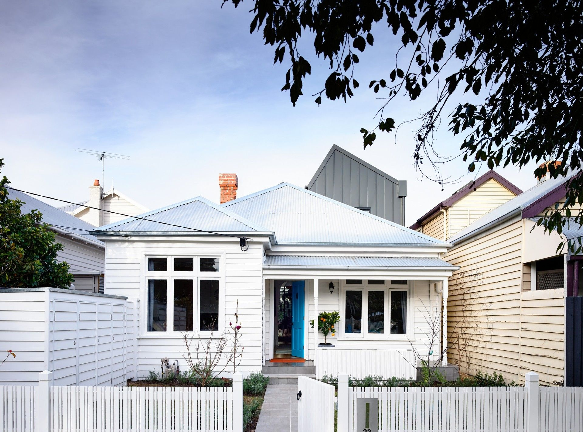 Victorian house colorful interiors for a classy exterior south yarra - Traditional Street Facade Of The Sandringham Residence With The New Addition In The Backdrop Trendy Rear Extension Revitalizes Classy Double Fronted