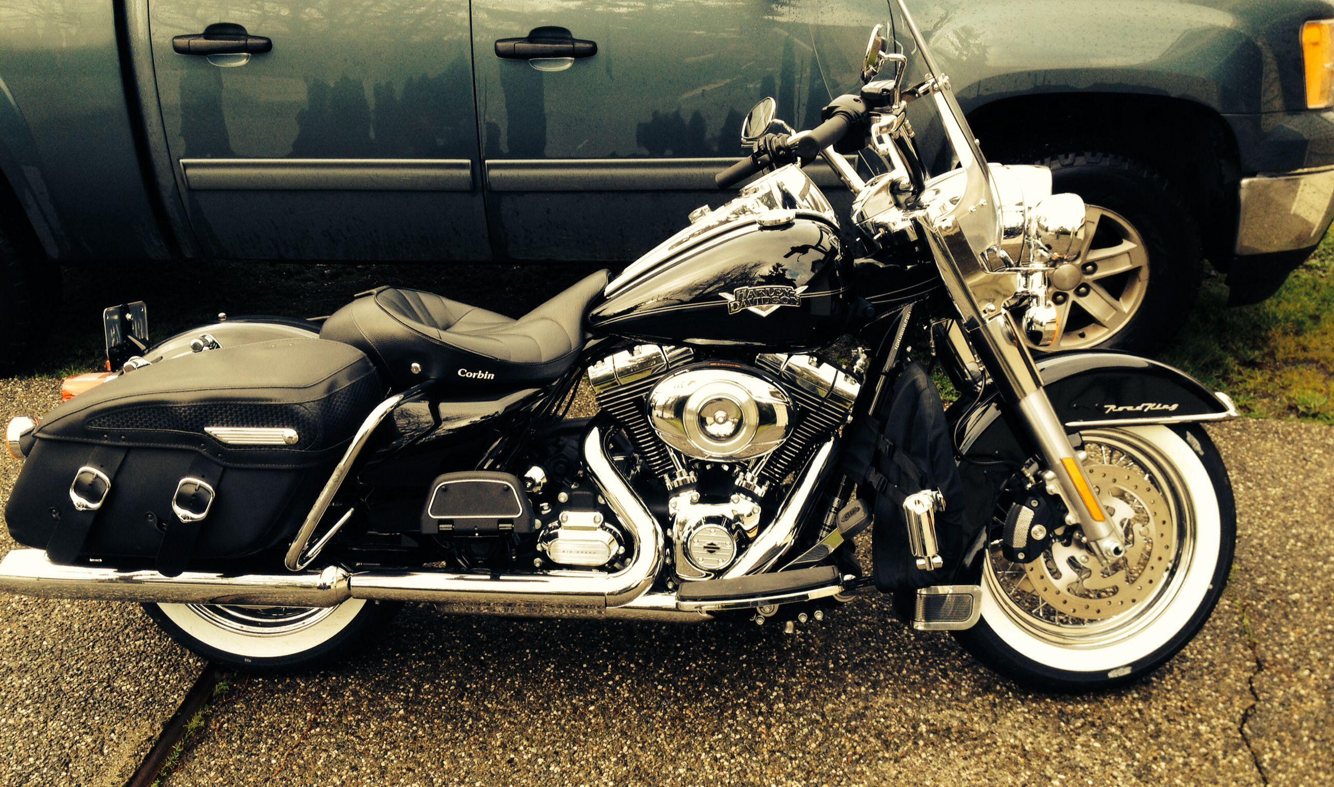 Pin By Byungsukim On Motorcycle Road King Classic Harley Bikes Harley Davidson