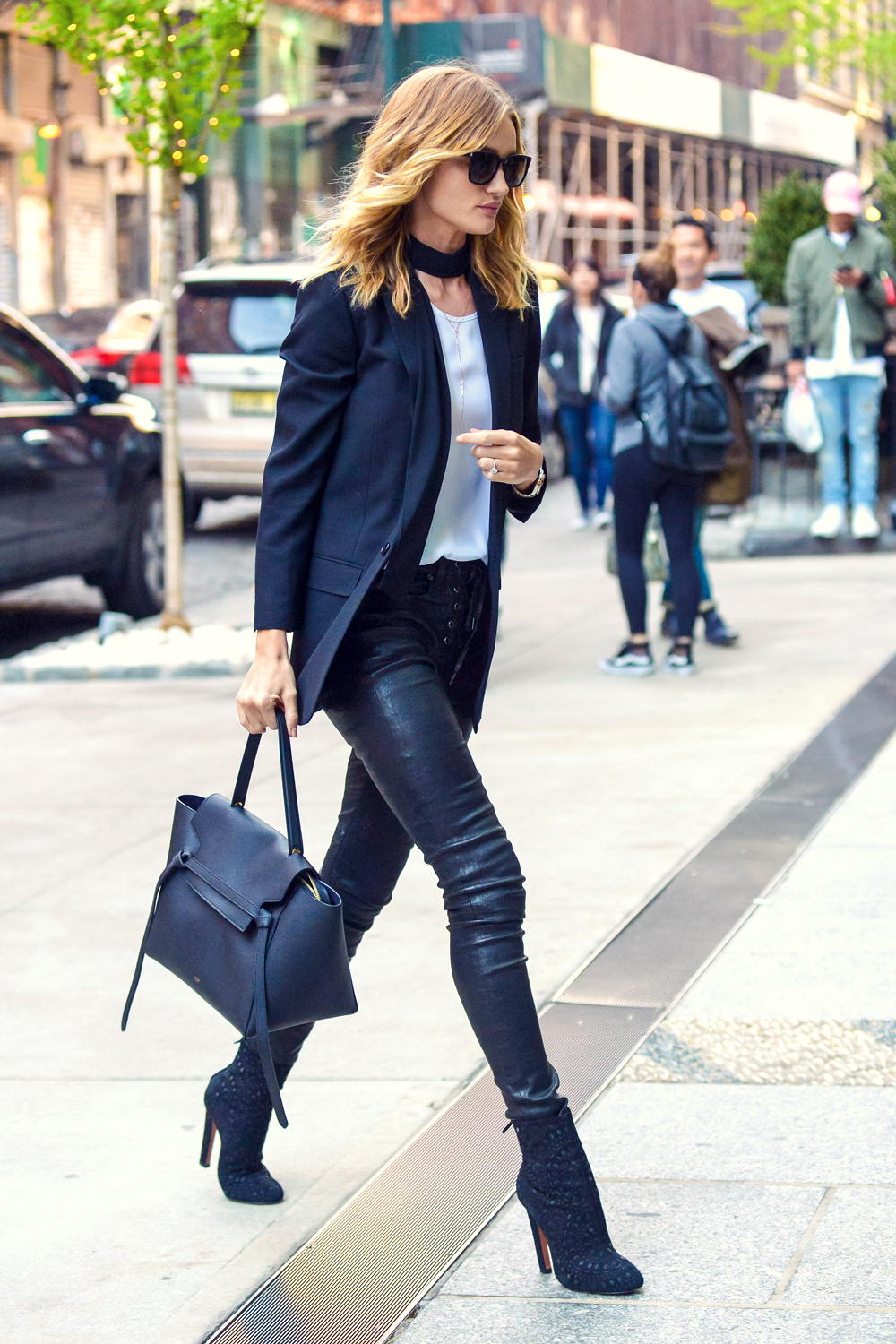Rosie Huntington-Whiteley out in NYC #leatherpants #leatherskinnypants