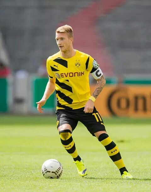 marco reus 11 soccer pinterest marco reus borussia dortmund and soccer players. Black Bedroom Furniture Sets. Home Design Ideas