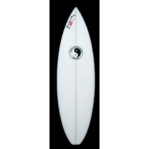 Model : BG-1.    C'est le modéle des gros gabarits avec un outline plein et plus de volume sur toute la planche. Il est parfait pour le surf de tous les jours avec une shortboard.