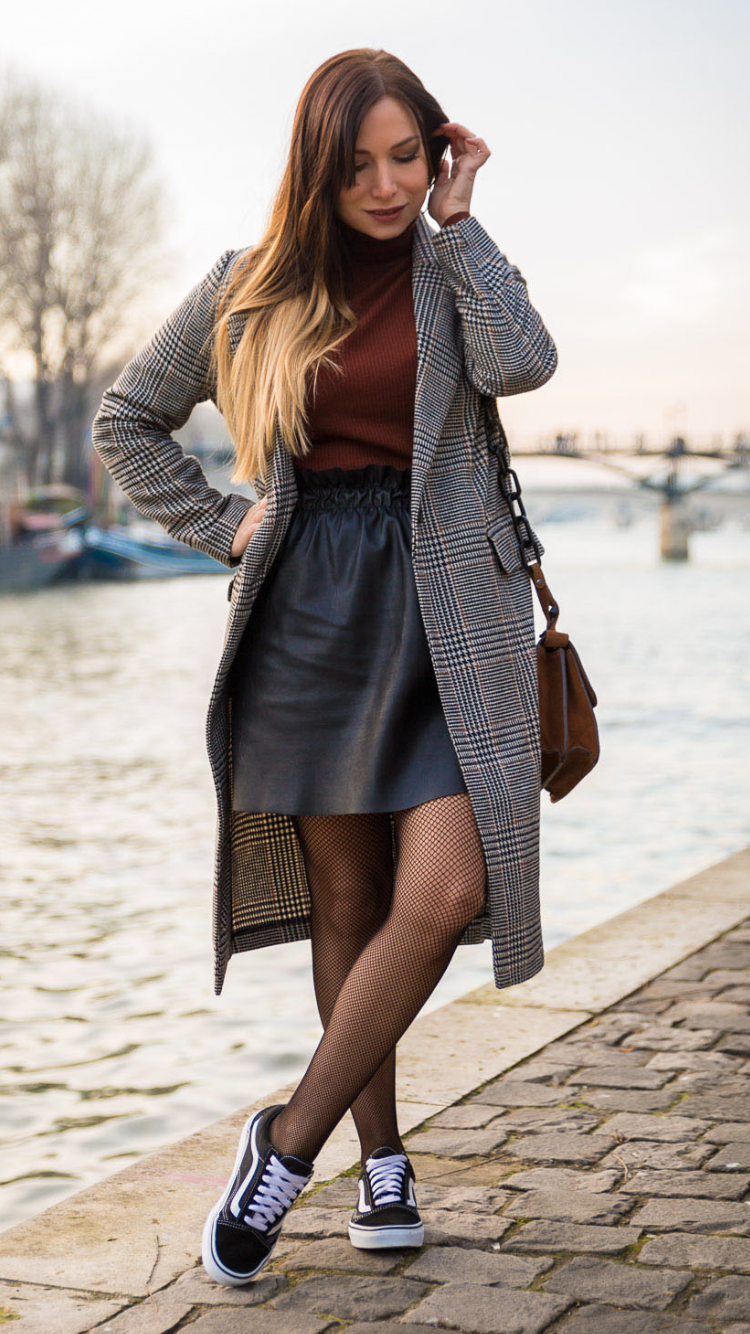 How To Wear Leather Skirt Thigh Boots Or Vans As First Seen On Blog La Minute Fashion H How To Wear Leather Skirt Skirt And Sneakers Black Vans Outfit [ 1334 x 750 Pixel ]