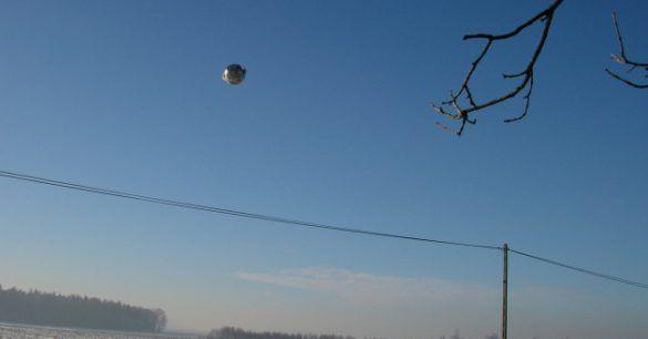 EVNIS: Esferas Voadoras Não Identificadas