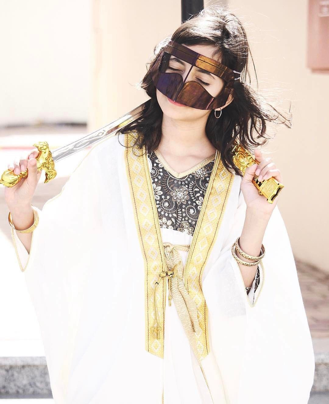 سكبة البرقع على عيونك هلاك والهلاك انك بلا برقع جميله ㅤ By Njooddu ㅤㅤㅤㅤ Chosen By Rawasi ㅤ Rating Out Of 5 1 التقييم مـن 5 ㅤ ت Fashion Maryam Burqa