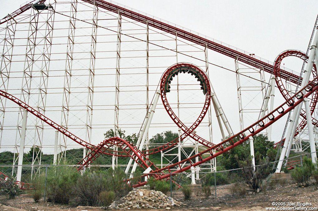 Viper, Six Flags Magic Mountain   RockinHolyRoller ...