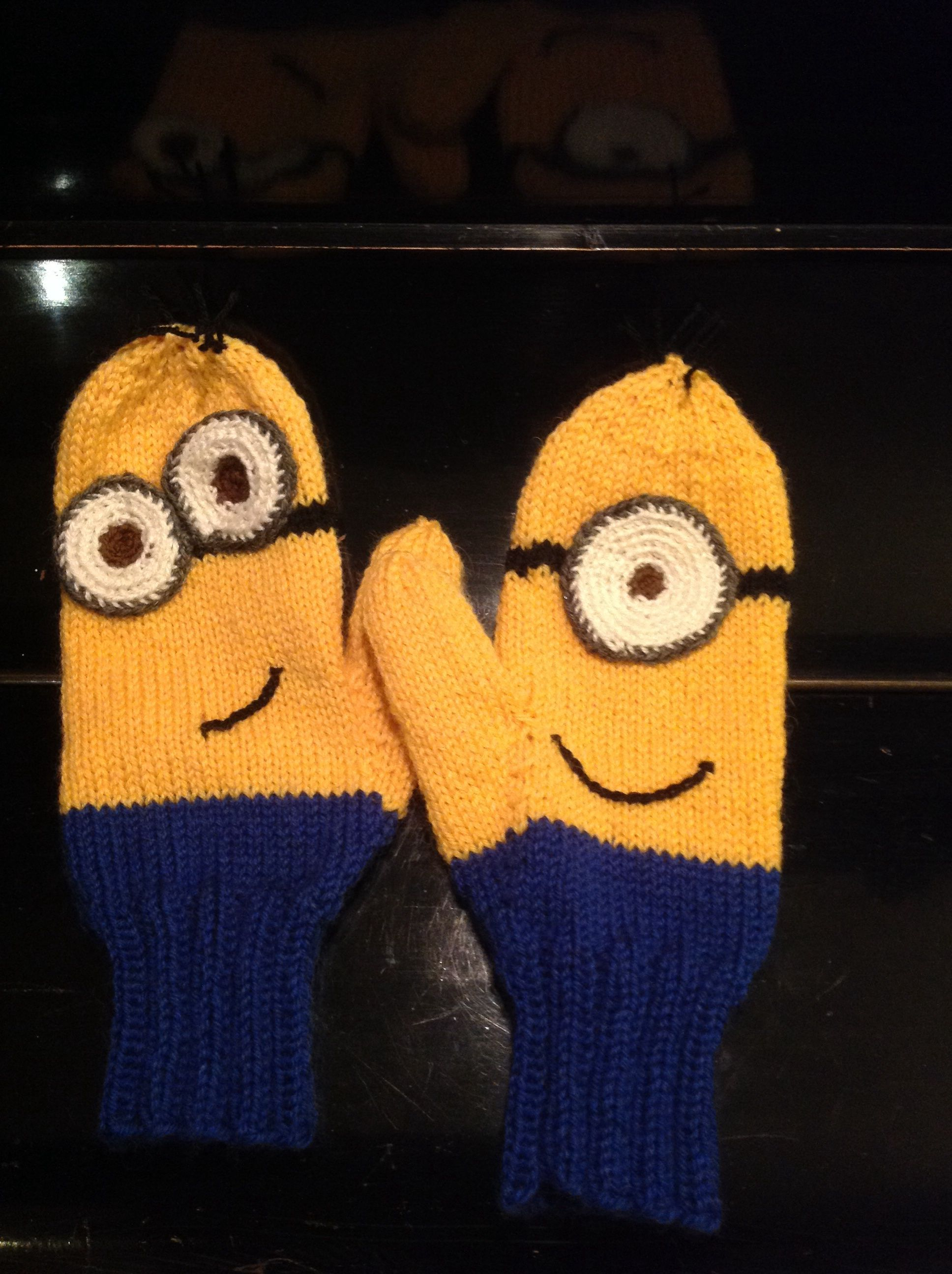 Minion mittens for louise things i knit pinterest mittens minion mittens for louise bankloansurffo Choice Image