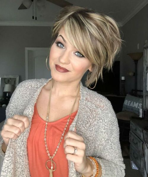 Sensational Short Layered Hairstyles With Bangs for Women to Look Young and Pretty | Messy Hairstyle