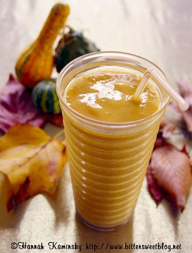 A healthy pumpkin pie shake.