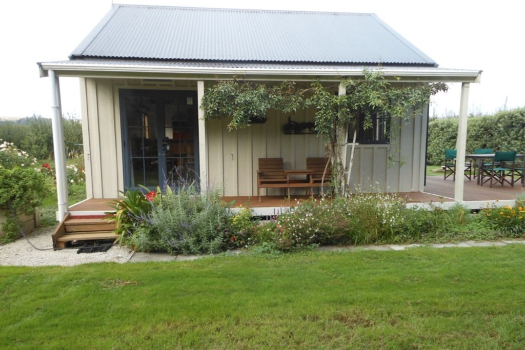 The Louisa Cottage On A Small Farm In New Zealand Country Cottage Decor Cottage Exterior New Zealand Houses