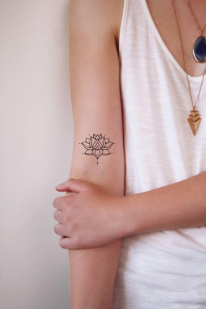 ▷ 1001 + idee e ispirazioni per un tatuaggio di fiori di loto