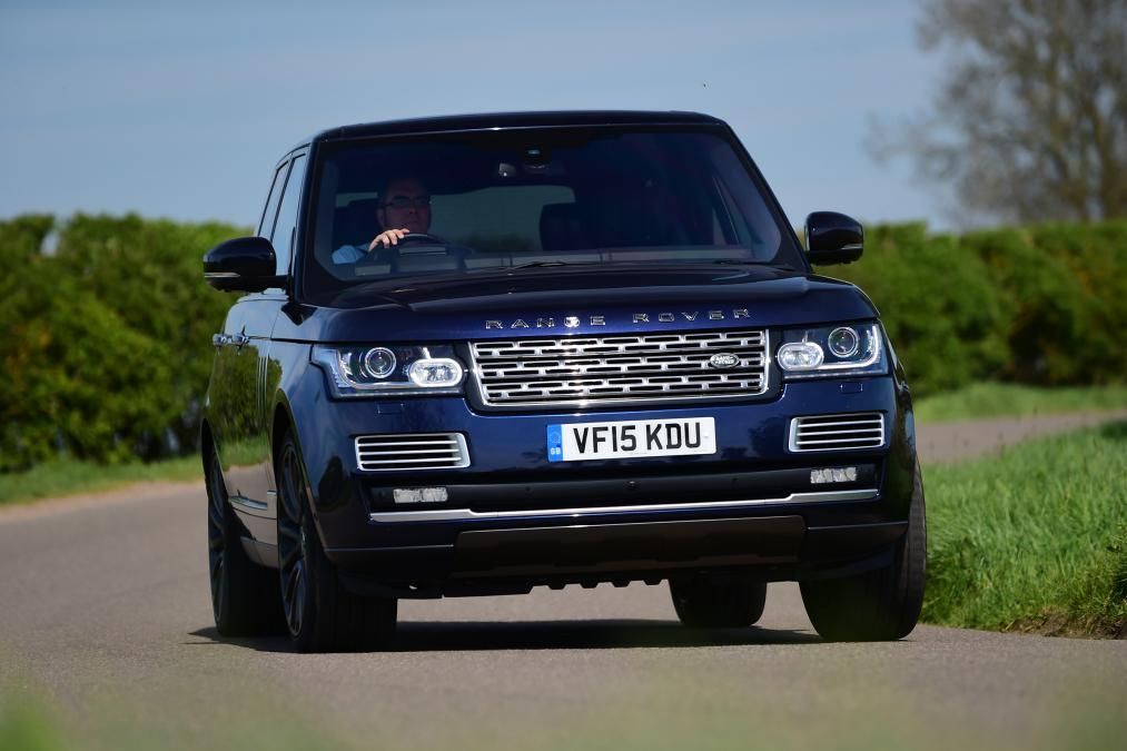 Photo of Range Rover SUV review | Carbuyer