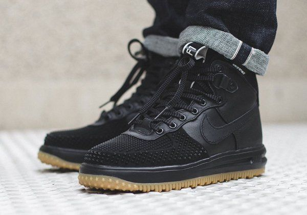 chaussure montant homme nike air