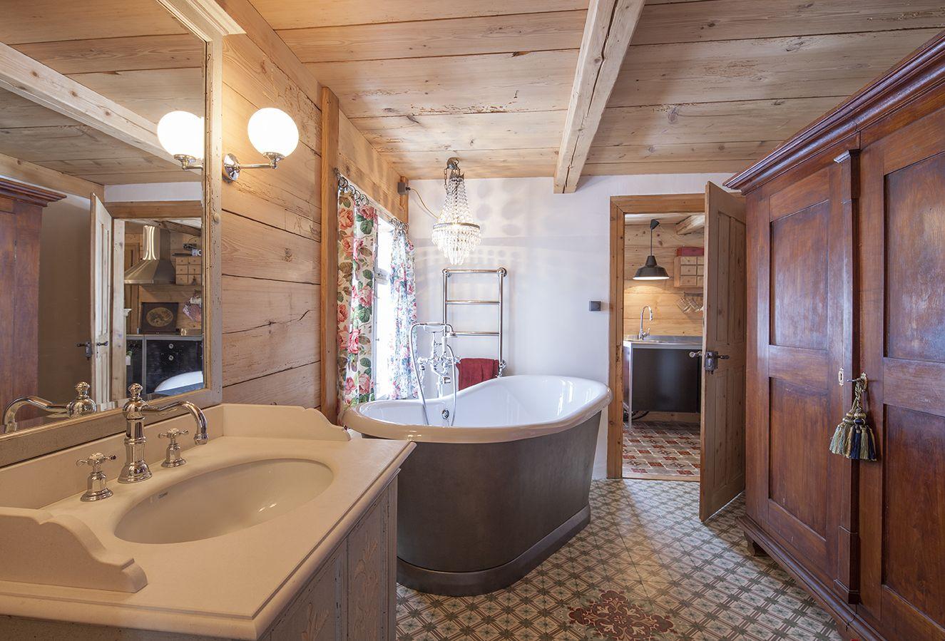 Im Landhausstil gestaltetes Nostalgie Badezimmer von ...