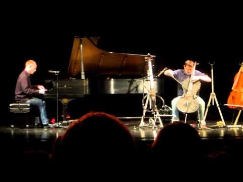 ▶ Titanium by The Piano Guys LIVE - YouTube