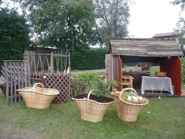 Bordure fai da te o da riciclo creare oggetti per esterno fatti con il riciclo bags e straw bag - Bordure giardino fai da te ...