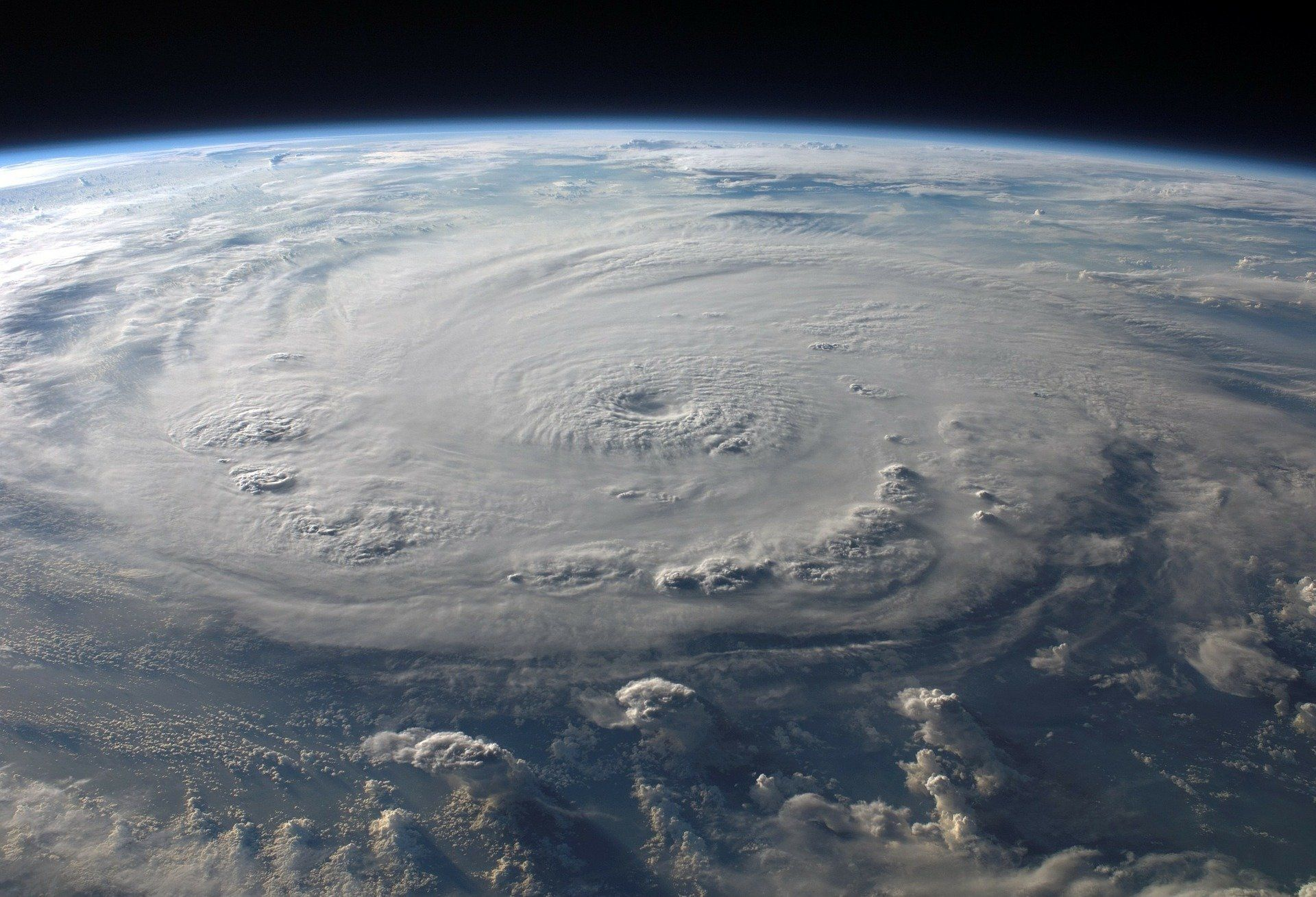 We Should Use Central Pressure Deficit Not Wind Speed To Predict Hurricane Damage Nature Hurricane Photo