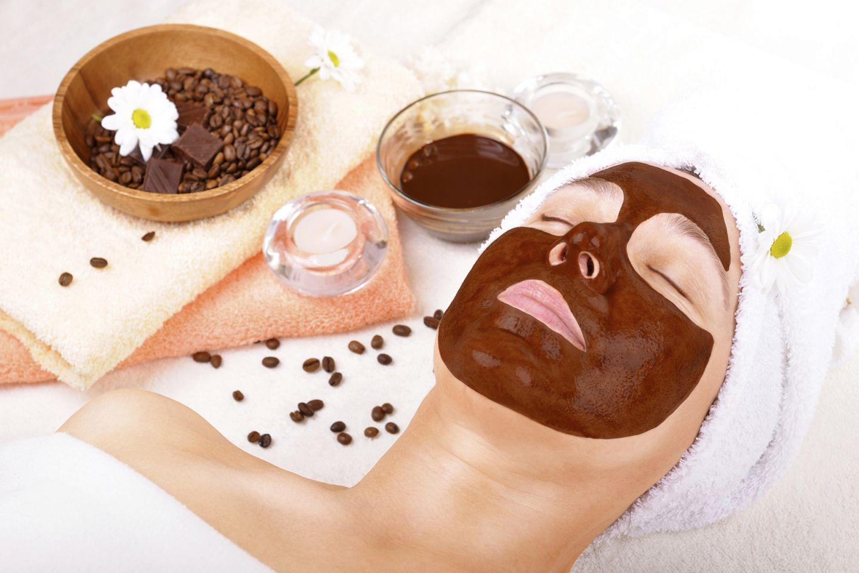Las 10 mejores mascarillas de café para un rostro bello