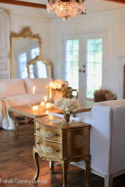 Little vintage chest of drawers | French Country Cottage | Details and where to find this beautiful gold Italian vintage nightstand. #antiques #frenchvintage #Rustickitchen