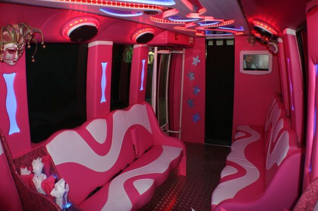 Inside A Limo Bus Pinky Pink Limo Limousine Interior Sweet Cars