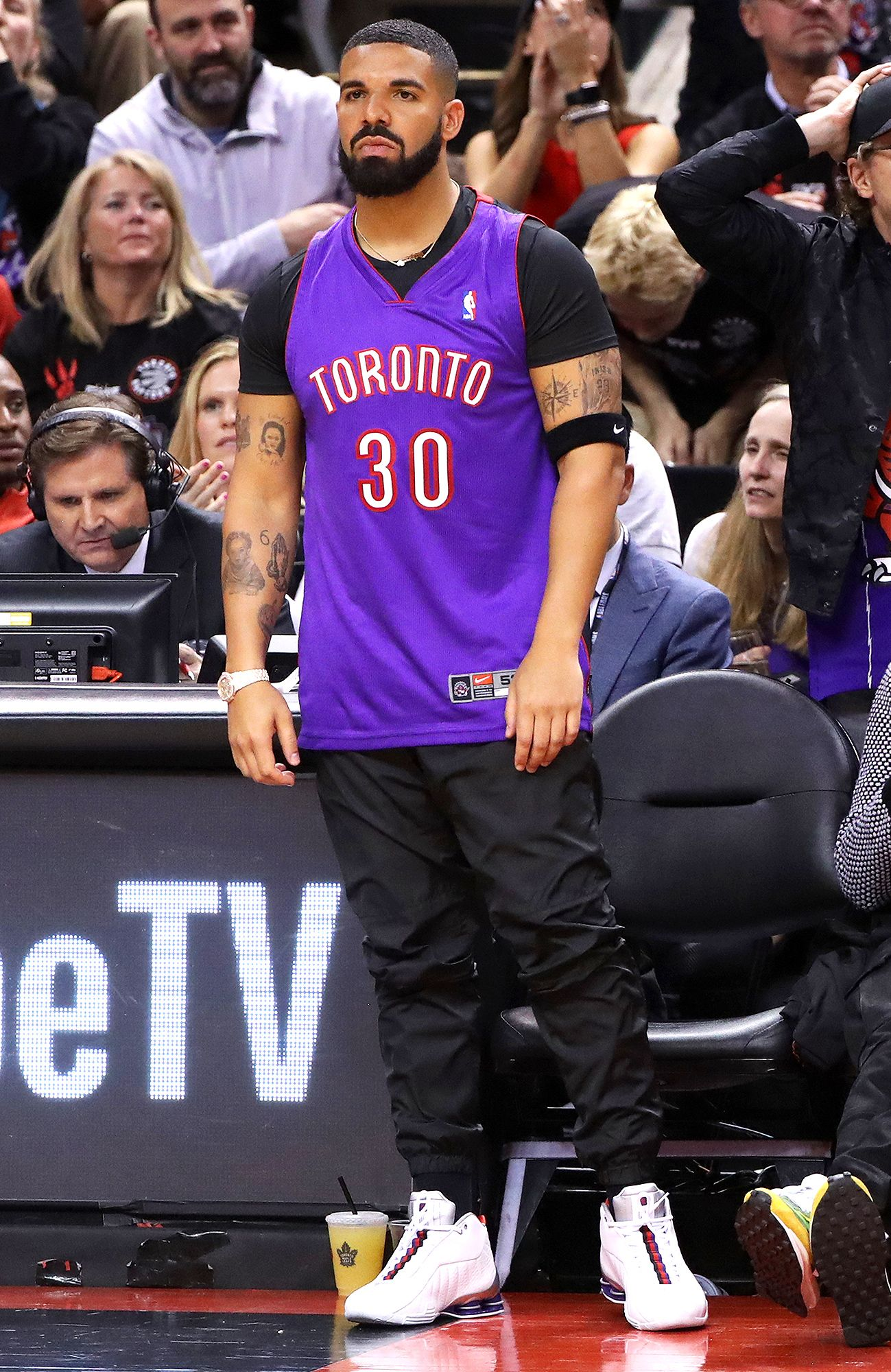 THE NBA TALKED TO DRAKE ABOUT COURTSIDE BEHAVIOR PEOPLE