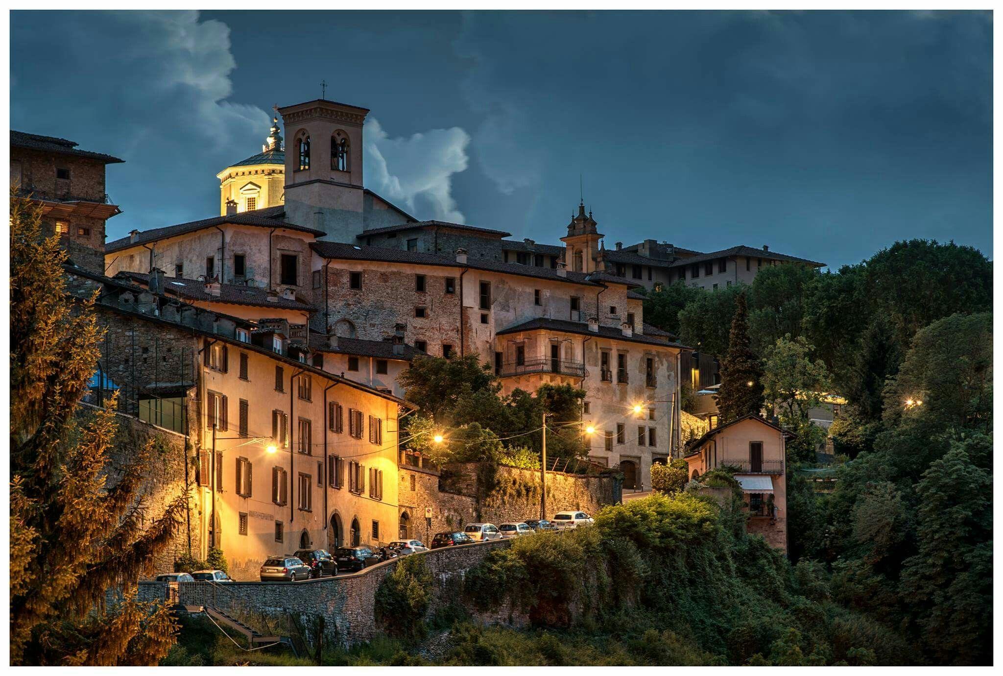 Bergamo Città Alta House styles, Bergamo, Mansions