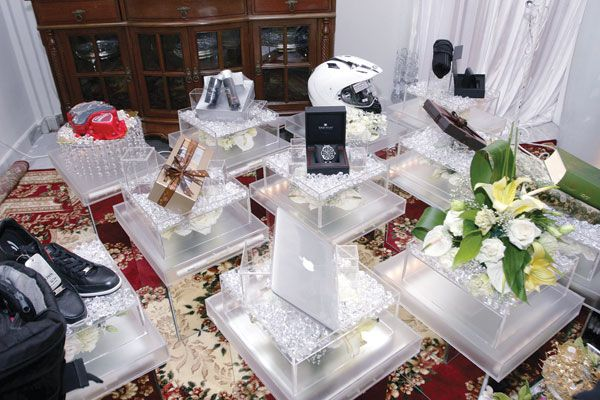 Malay Wedding Gifts: Kahwin Betul-Betul: Idea Please, Hantaran Putih/Silver