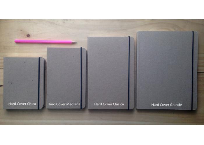 Personaliza tu libreta en 3 pasos: 1. Compra el tipo y tamaño de libreta que gustes. Esta es: Hard Cover Grande (22 x 16.5 cm   pasta dura) 2. Envíanos el archivo de tu imagen o solicítanos las plantillas de diseño para que lo hagas tu mismo. (imakenotebooks@gmail.com) 3. Te enviamos el diseño y pruebas de impresión para que las apruebes antes de imprirlo.  LAMINADO: el costo incluye laminado mate. Laminar el notebook puede ser opcional y no se recomienda en papel kraft. ZURDOS: Todos…