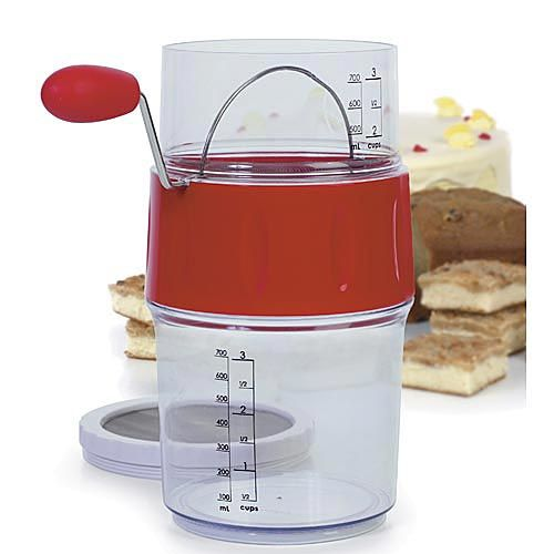 Sifting flour measuring cup