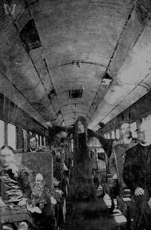 写真 おしゃれまとめの人気アイデア pinterest iana ホラーアート 不気味 幽霊