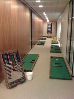 Indoor Portable Mini golf rental for an office golf party (713) 291 ...