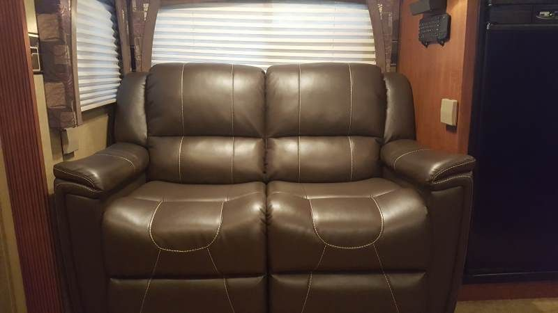 Thomas Payne Heritage Dual Reclining Rv Loveseat W Console 66