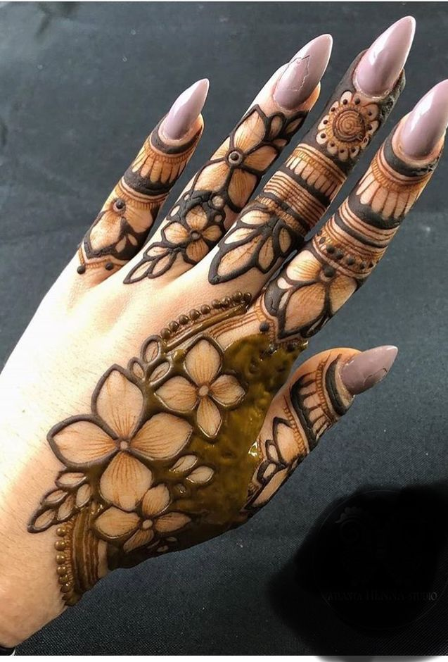 Pin By Md Nissar On Henna Designs In 2020 Mehndi Designs For Fingers Henna Flower Designs Rose Mehndi Designs