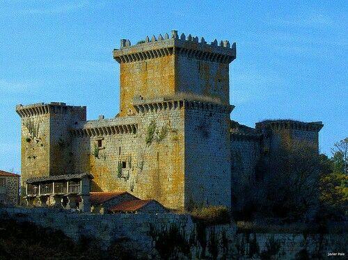 Galicia, Lugo, Palas de Rei: Castelo de Pambre.