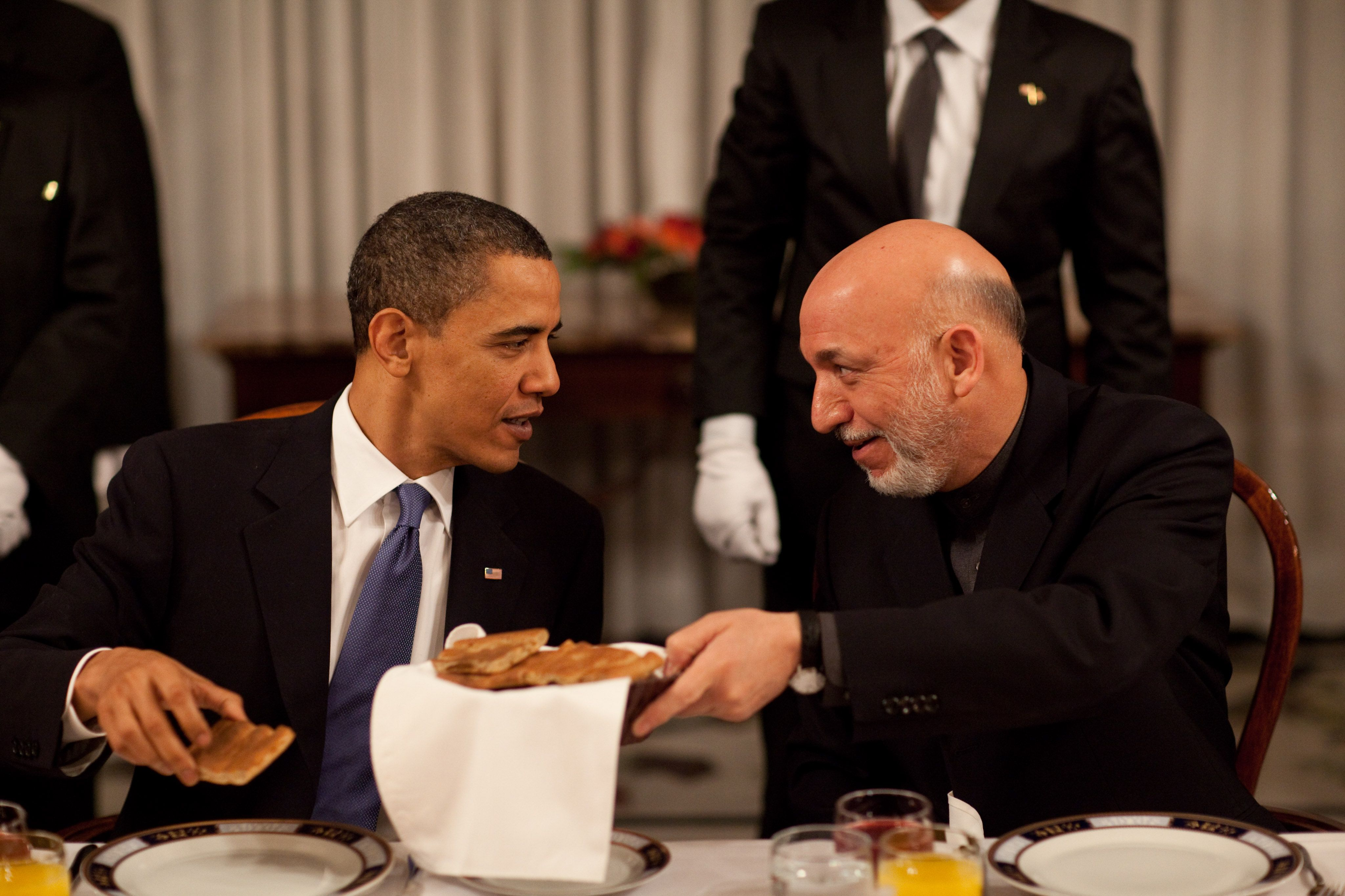 photos of presidents eating free public domain image president hamid karzai chats with
