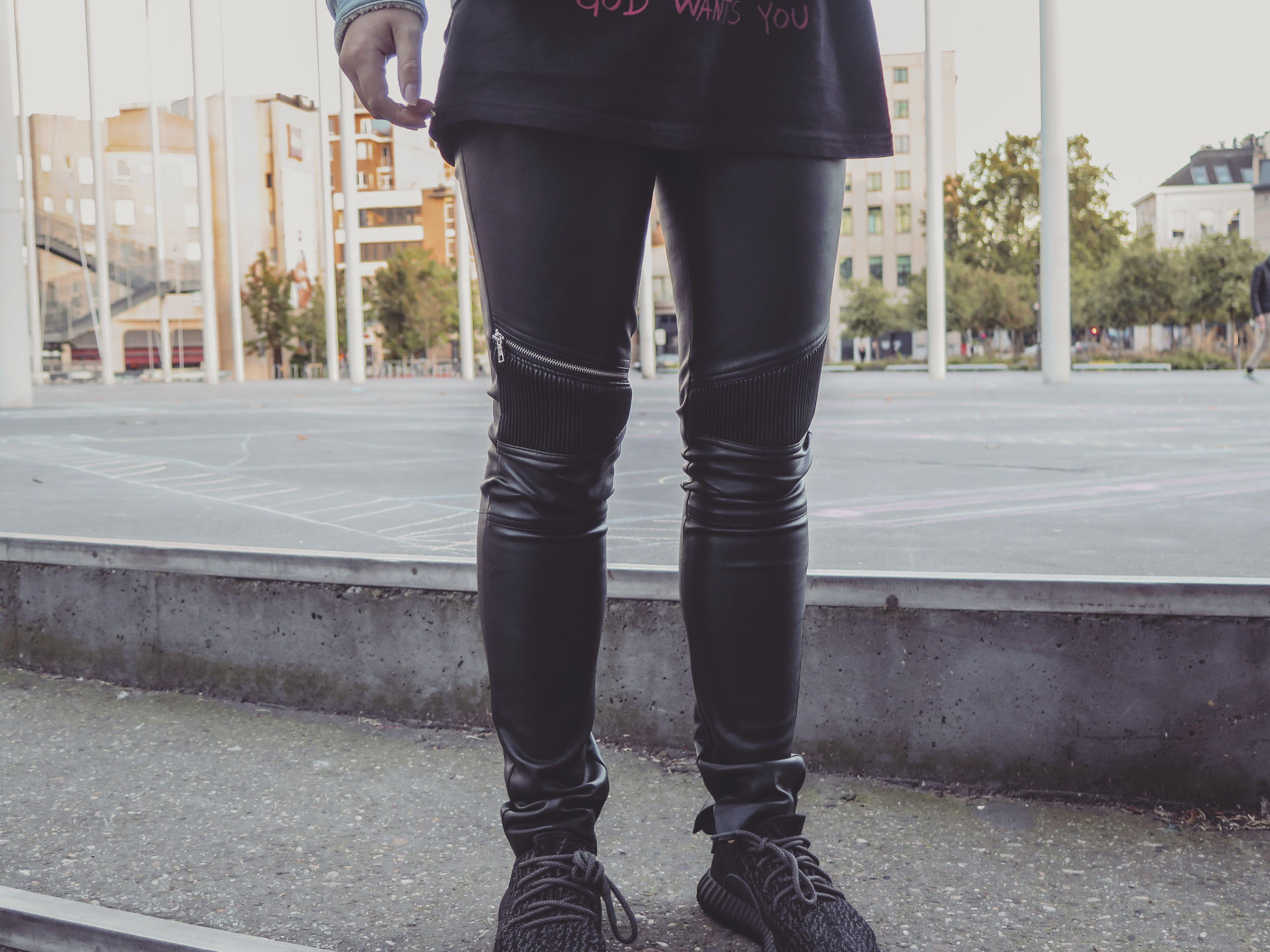 LEATHER PANTS x YEEZY