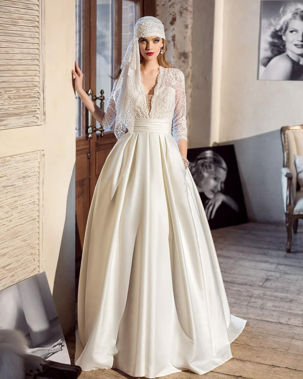 Pin by Weddings - Hochzeiten on ファッション  Wedding dress long