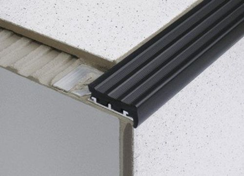 Best Heavy Duty Tile In Anti Slip Stair Edge Nosing For Tiles 640 x 480