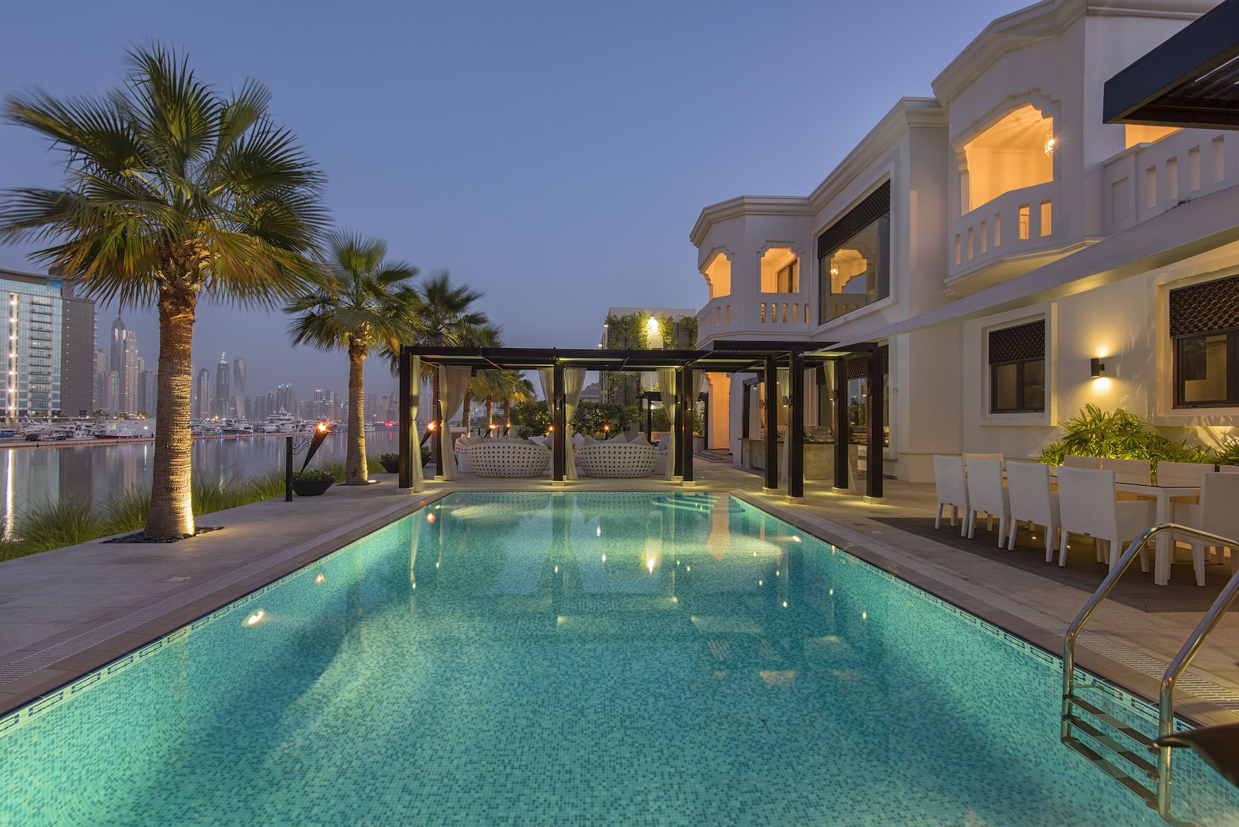 Mansion Global  Frond P, Palm Jumeirah