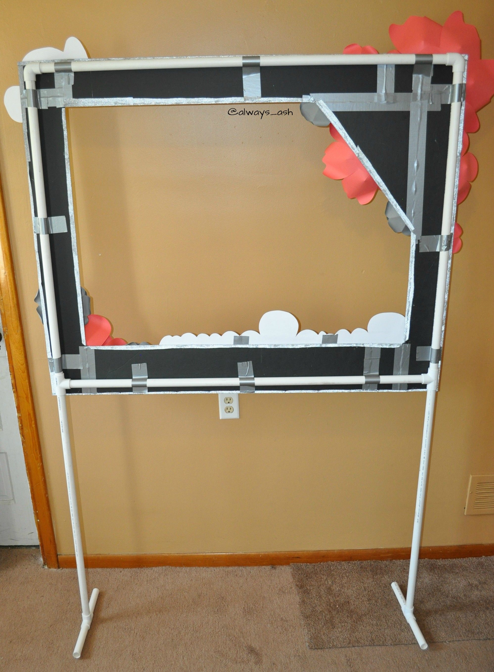 The back of photo booth frame on pvc pipe stand duck for Un stand