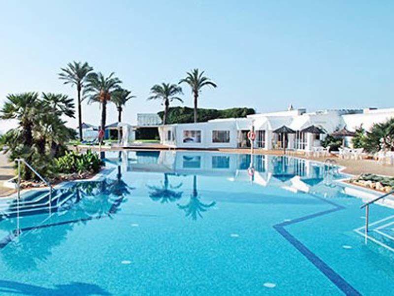 1 Woche Menorca mit Übernachtung in einem 4-Sterne Hotel, Halbpension und Flug für 2 Personen für nur 1'359.-!  Buche hier deine Badeferien: http://www.ich-brauche-ferien.ch/1-woche-menorca-fuer-2-personen-fuer-nur-1359/