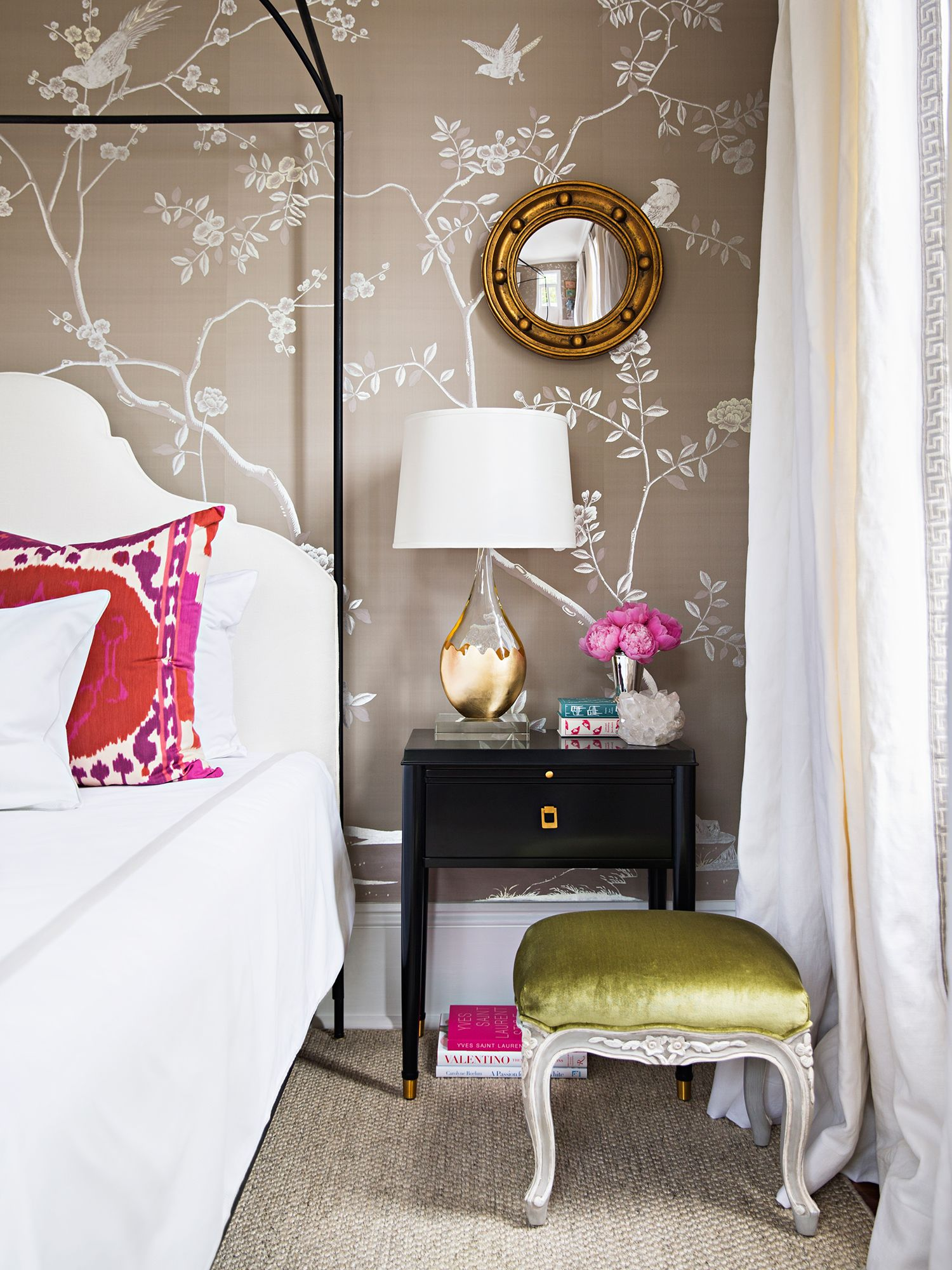 Paloma wasinvited to design the Dauphine Suite, a glamorous bedroom and terrace, for the 2016 Traditional Home Southern Style Now Showhouse in New Orleans. The room was designed around a stunning, custom-made deGournay wallpaper featuring 12 carat white gold and aluminum hand-gilding on a silk background. The room features a beautiful bed by Tara Shaw …