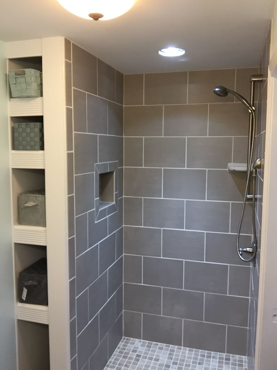 Pin By Diana On Showers Small Bathroom Makeover Small Bathroom Bathrooms Remodel