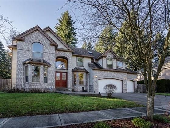 Vancouver, WA  This spacious 3814 SF home has 4 bedrooms and 4 bathrooms and comes with high-end finishes features and mill work throughout. Call Terrie Cox for more information: 888-888-8284