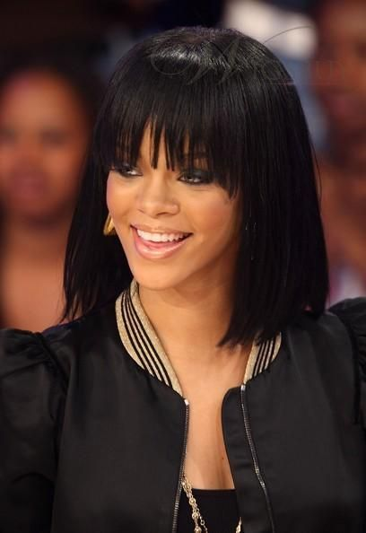 Who Remembers Rihanna S Egyptian Bob Love This Look Rihanna Hairstyles Hairstyles With Bangs Short Straight Hair