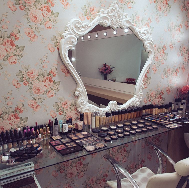 Mini Makeup Room Ideas