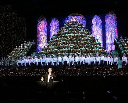 Portland Singing Christmas Tree.Ever Hear A Holiday Tree Sing You Can In Downtown Portland