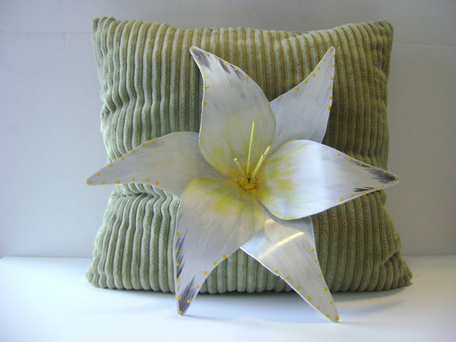 Metal Flower Wall Hanging Metal Garden Art Metal Wall Art White Lily Sculptured Flower